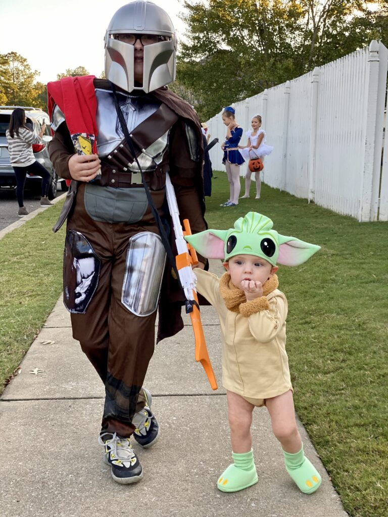 Star Wars costumes are fun for Halloween, especially for kids!