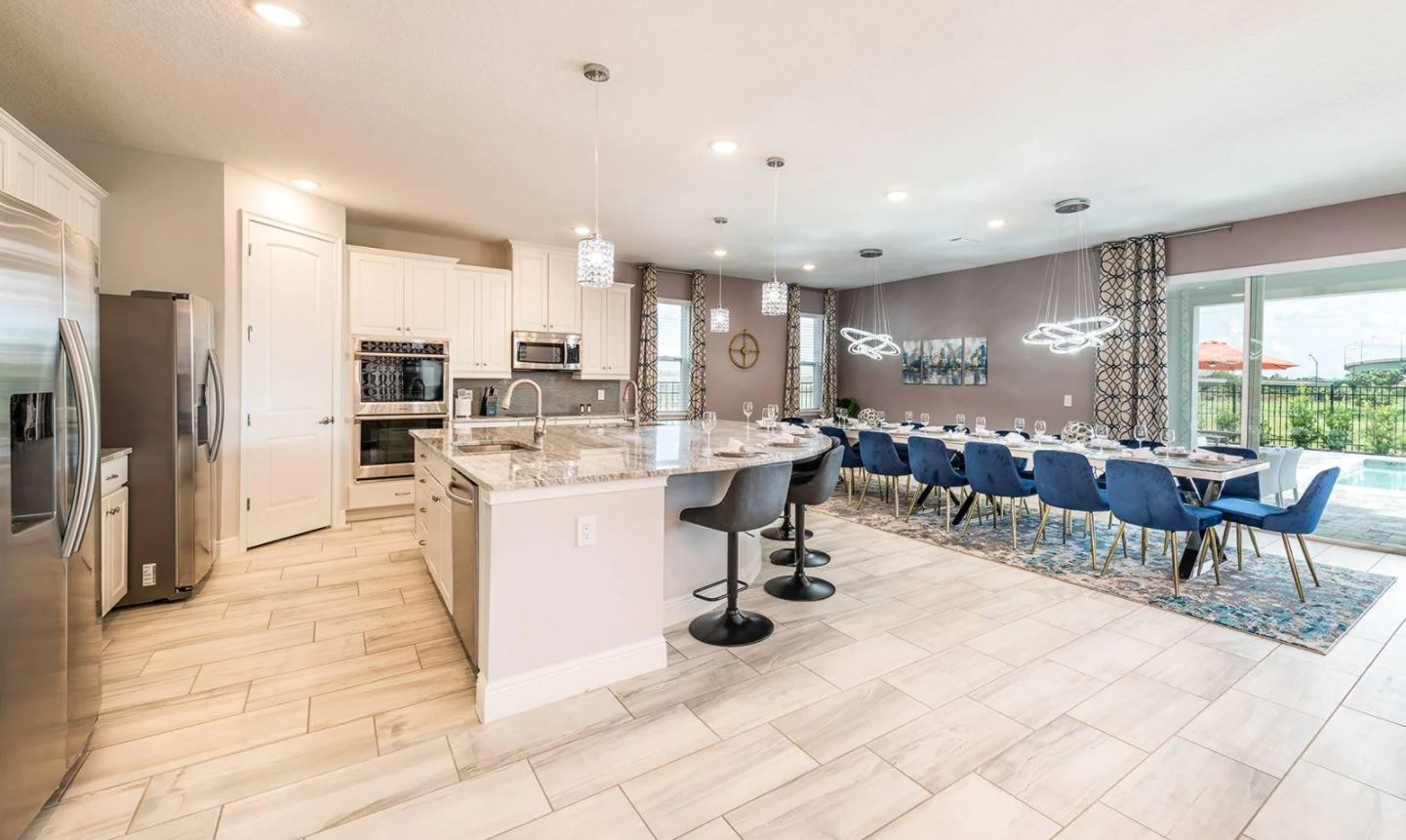 Large, Luxury Home with Theater, Game Room, Pool and Disney Shuttle