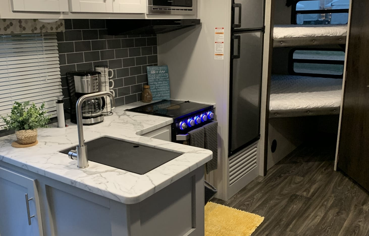 glamping in tx - 30-foot trailer from rvShare.