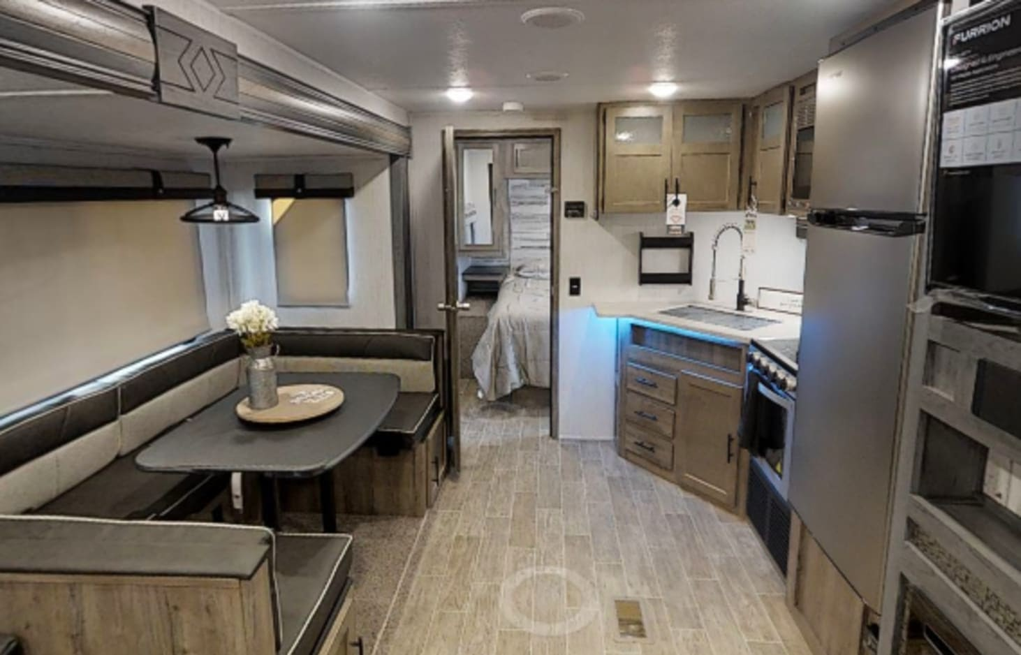 glamping in tx - This 2021 Palomino Puma sleeps 9 and can be delivered and set up within 25 miles for just $75.