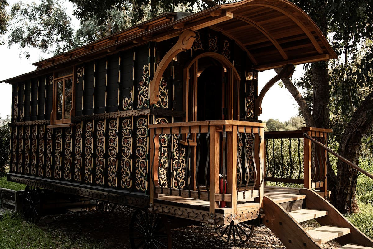 Glamping in CA - The Black Carriage