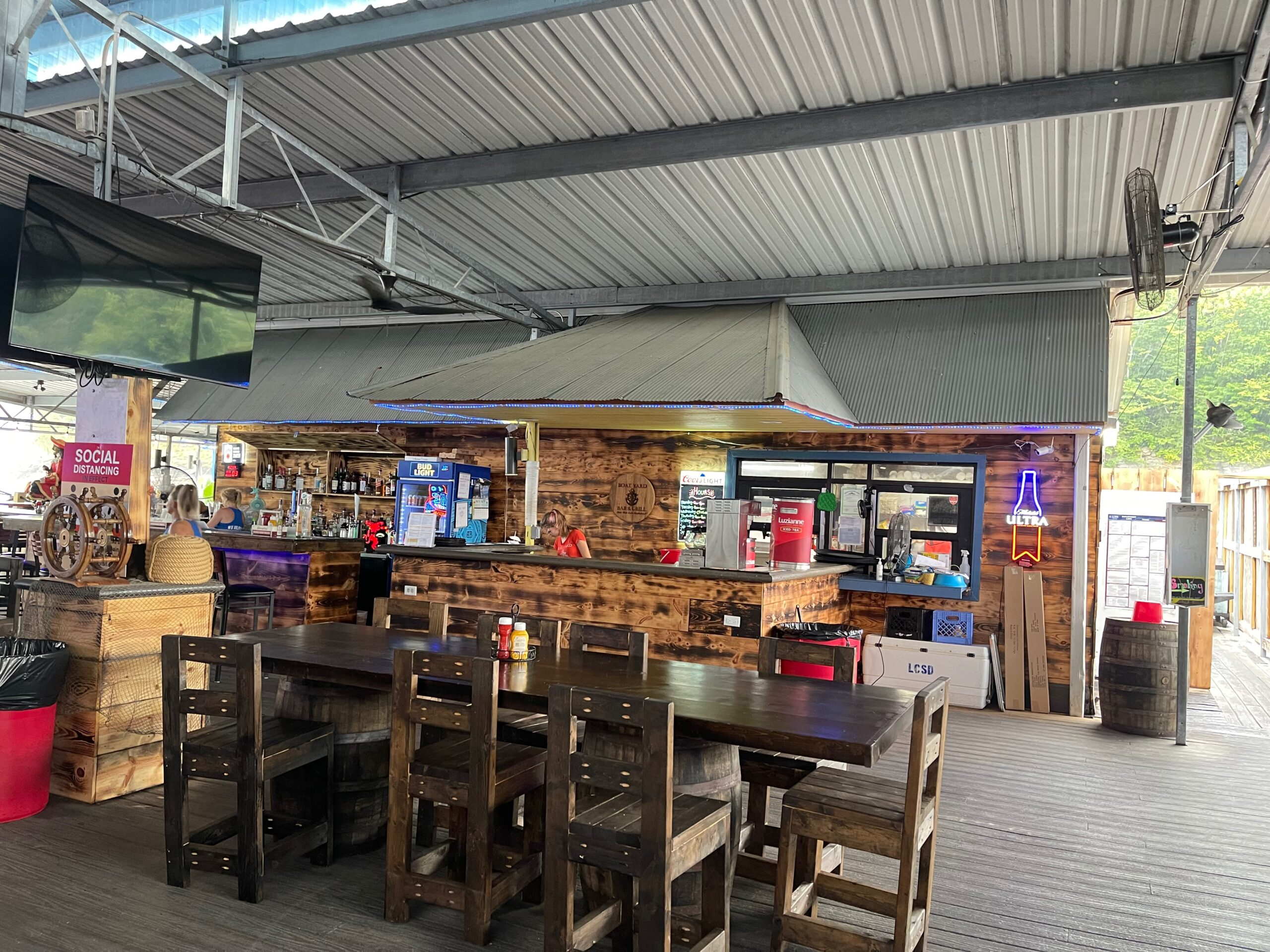 Small towns in KY - The Boat Yard Bar & Grill