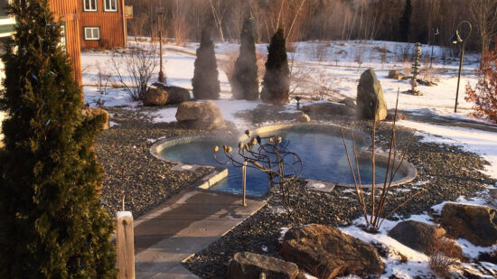 Going on a wellness getaway to kickstart healthy habits? Wondering what to expect, like is everyone naked in the sauna? The 411 I learned at Spa Eastman.