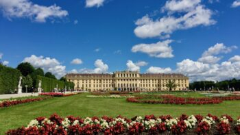 romantic things to do in vienna - vienna date idea Schonbrunn Palace