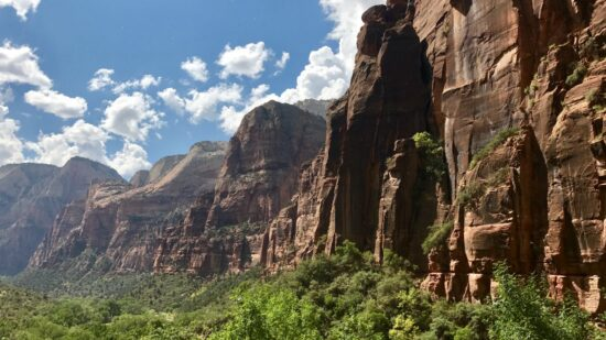 First Time Guide for Zion National Park. Stunning views, emerald pools. waterfalls and more!