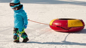 Read these tips for snowtubing with kids