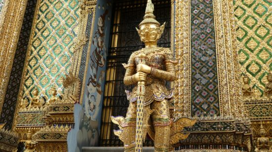 The Buddhist temples in Thailand are stunning.