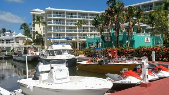 There's a private on-site marina at Key Largo Bay Marriott Beach Resort! For the full scoop, check out our Key Largo Bay Marriott Beach Resort Review.