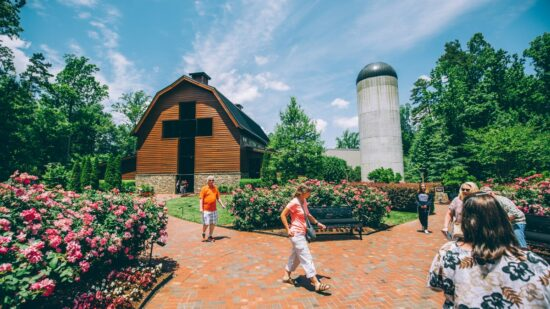 People strolling the Billy Graham Library is one of the most beloved free things to do in Charlotte