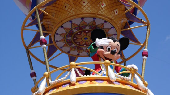 There are over 120 restaurants with Disney Allergy Menus at Walt Disney World. Here's what you should know about eating with food allergies at Disney.