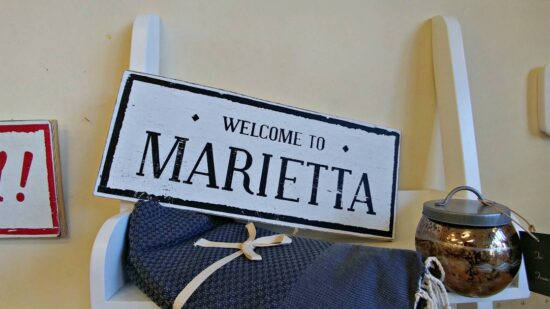 Explore the Marietta Square and discover its history and charm!