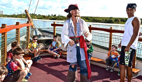 Pirate-Themed-Boat Tour