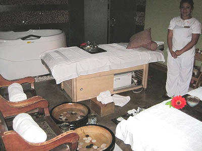 la-ceiba-spa-antigua-guatemala-couples-massage-room