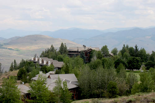 Sun Mountain Lodge family vacation resort
