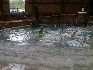 Cascade Indoor Waterpark wave pool