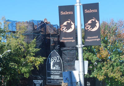 TMOM_witch_museum_and_sign